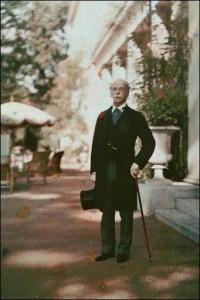 Alfred de Rothschild at Gunnersbury 1910, Rothschild Archive